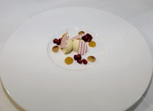 Passionsfrucht - Meringue - Granatapfel
